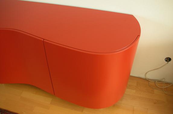 Dressoir design gebogen deuren rood op maat