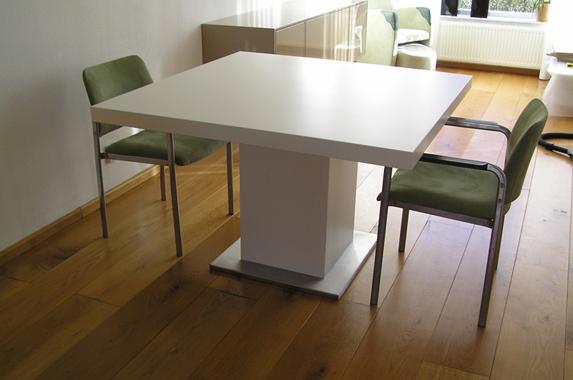 Design Vierkante Eettafel.Design Eettafel Op Maat Met Grote Afmetingen Gespoten Of In