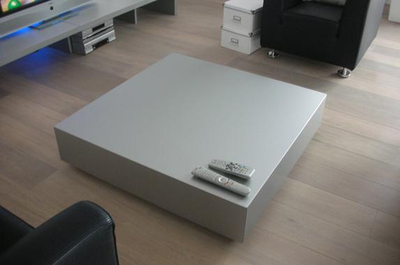 Salontafel Vierkant Hoogglans.Design Salontafel Op Maat Greeploos En In Houtfineer Of In Kleur