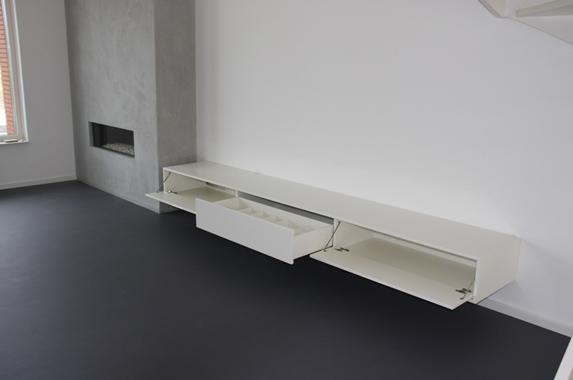 zwevende tv wandkast wit 320 cm